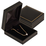 Picture of Leatherette Flat Pendant Goldtrimmed Box