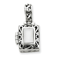 Picture of Sterling Silver Antiqued Cat's Eye Locket